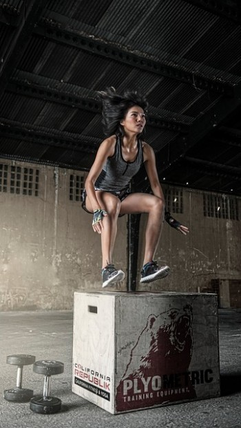 Beintraining zuhause (Box Jumps)